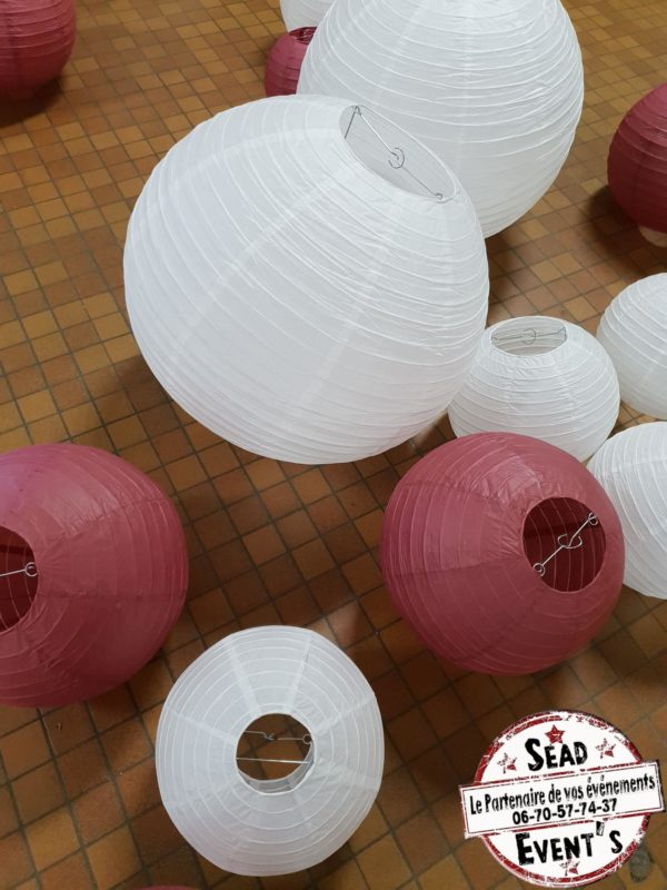 SEAD-Events-Location-lanternes-blanches-plafond-boules-chinoises-mariage