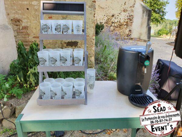 machine à bière avec 30 verres noires et étagère landes location événements soirées mariages réceptions mont-de-marsan boissons tireuse