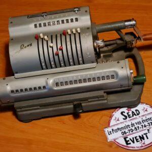 calculatrice vintage ancienne années 30/40 champêtre location mont de marsan bureau décoration table landes