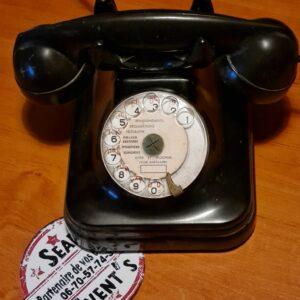 téléphone vintage rétro Bureau britannique style Art Déco métal moulé location haut parleur landes mont de marsan décoration mariages anniversaire champêtre