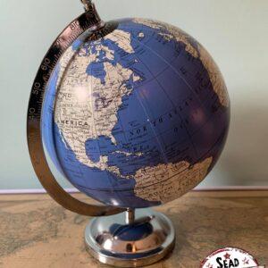 petit globe bleu pivote original monde location décoration voyage landes aquitaine world