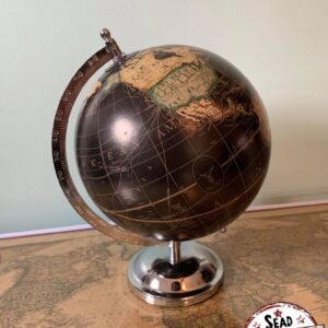 petit globe noir pivote original monde location décoration voyage landes aquitaine world